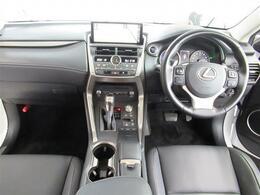 1オナ・L-TEXレザー・プリクラッシュS・全車速レーダークルーズ・LDA・S&Bカメラ・ブルーレイ・BTオーディオ・オートハイビーム・ステアヒーター・18AW・コーナーセンサー・電動ハッチバック