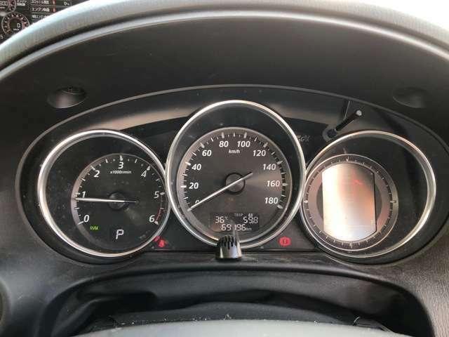 【メーター】表示が大きく分かりやすいので、運転中も見やすいデザインとなっております!