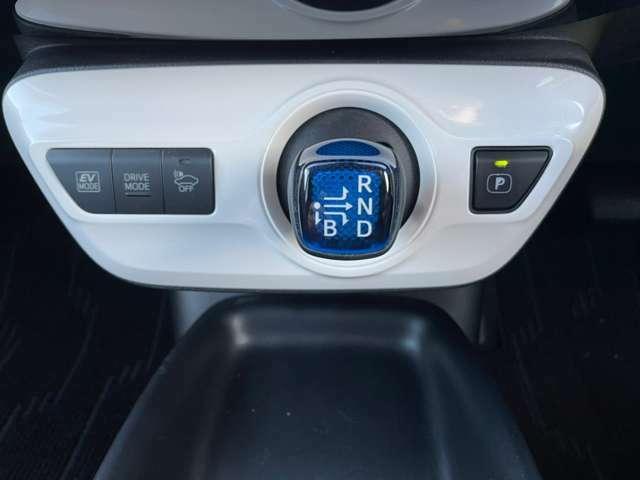 純正ナビ フルセグテレビ レーダークルーズコントロール セーフティセンス LDA LEDヘッドライト オートハイビーム ヘッドアップディスプレイ バックカメラ ビルトインETC装備です!