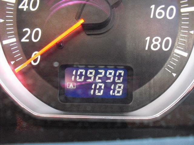 走行数は11万キロを迎えるあたりで、トルク感たっぷりなV6エンジンは好調を維持しております
