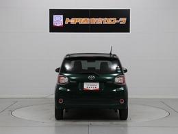"""ご覧の八王子センターの展示車はどれもこれも """"トヨタロングラン保証1年付き""""しかも 保証期間中は距離制限なし なので・・・保証期間内に10万Km走行しても保証で対応します。(保証部品に限ります)"""