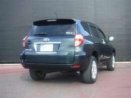 高級クロスオ-バ-SUVとして、「質」・「機能」・「装備」を高めた、ヴァンガ-ドです。