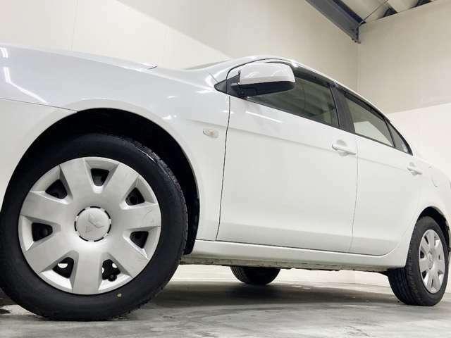 ホイルは16インチホイルになります。タイヤは夏冬セットでお付けしますので、余計な出費もかさまず安心です。
