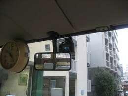 ドライブレコーダーと大型クロック
