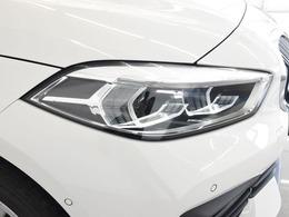ヘッドライトのデザインが大きく変わっています。