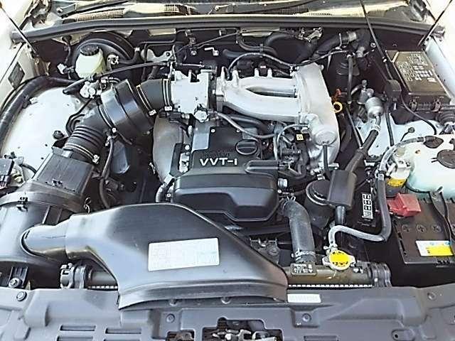 静かで好調なエンジン!!エアコンなどの機関も良好です!!