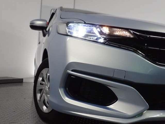 ★社外LEDバーナー装備車(社外品のため保証対象外)★ LEDライトは、明るく視認性が良く、省エネで環境にもやさしいヘッドライトです!