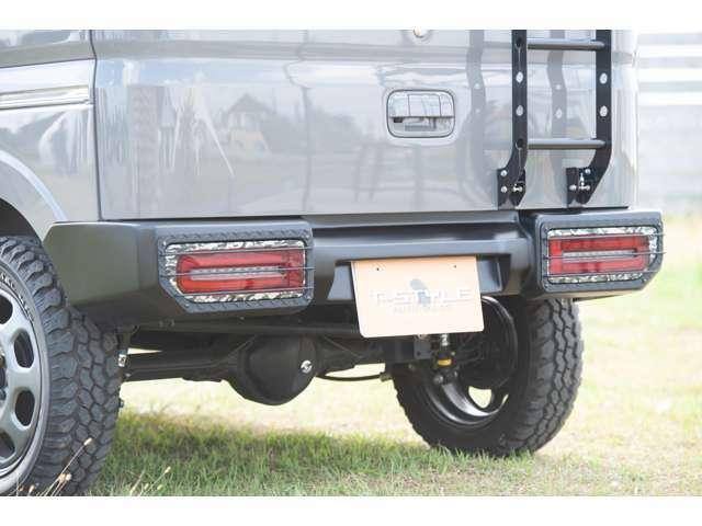 ジムリィリアバンパー&テールガード※LEDテールはオプションとなります。純正テール標準装備