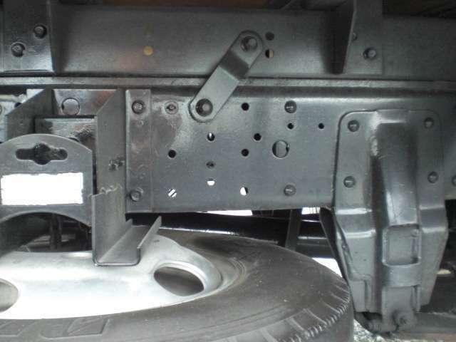 荷室内寸長339幅176高221 ラッシングレール2段 左電動格納ミラー