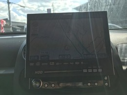 今やドライブの大事なパートナー!ルート案内はもちろん、CD、DVD再生等々、ドライブが、いっそう楽しくなる機能が満載です♪