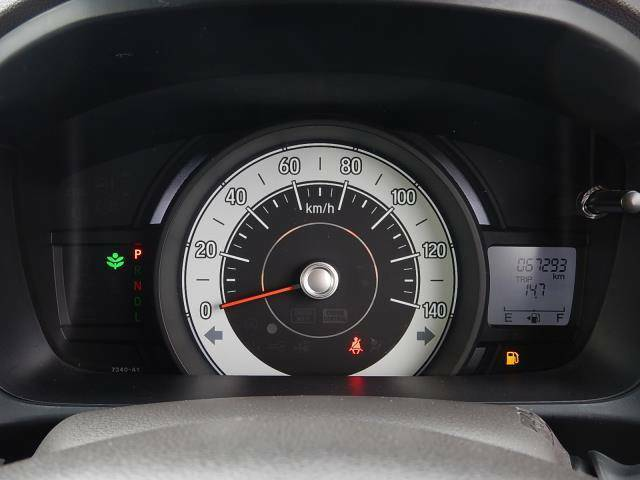 【メーターパネル部】現在の走行距離は約67,300kmです。まだまだ元気な車ですよ♪
