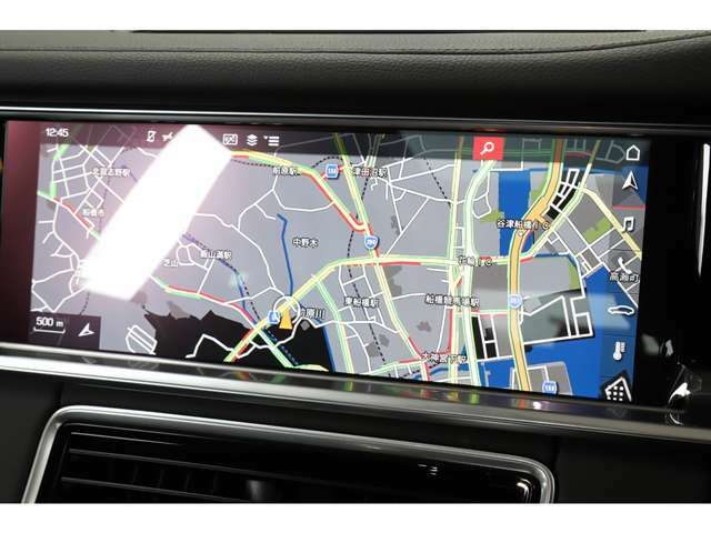 ・PCM/ポルシェコミュニケーションマネージメントシステム ・12.3インチタッチスクリーン ・ナビゲーションシステム ・ ボイスコントロールシステム ・Porsche Connect