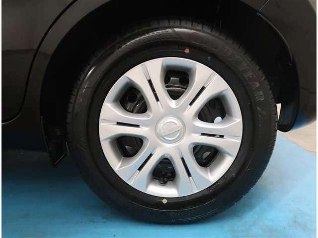 【185/70R14】タイヤの残り溝もしっかり残っております。ご納車前に点検・空気圧調整もさせて頂きますので、ご安心下さい。