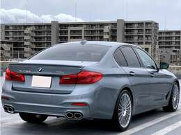 車両サイズ:全長496cm/全幅187cm/全高148cm/ホイールベース297cm