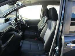 優越感のあるドライバーシート。視界もよく、老若男女問わず乗りやすいと思います。是非、お座り下さい☆☆☆