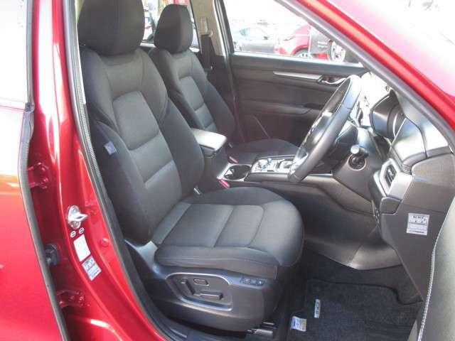 ☆運転席10Wayパワーシートには、運転席シートでのセットは勿論、いつも自分が使うアドバンストキーにもシートメモリーできますので、解錠してドアを開けると自動的にそのポジションにセットされます。☆