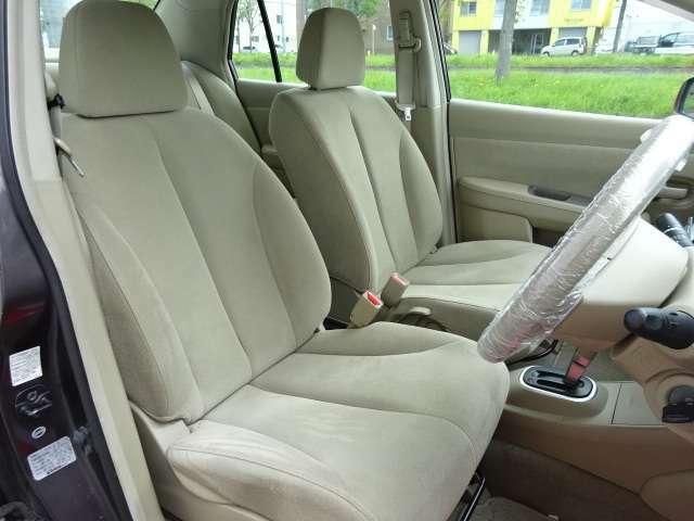 運転席・助手席ともにシートもへたり・破れ無く内装状態◎