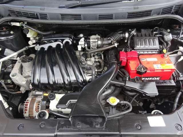ピカピカのエンジンルーム!!しっかりと手入れされたお車でしすね(^^♪