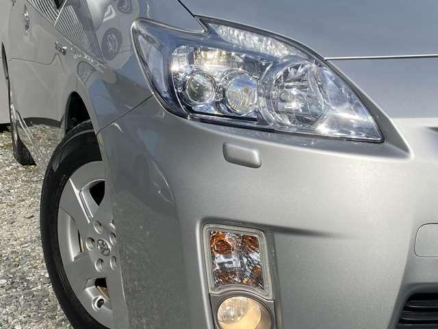 LEDヘッドライトは、見た良く、とても明るいです♪夜間のドライブも安心ですよ!!