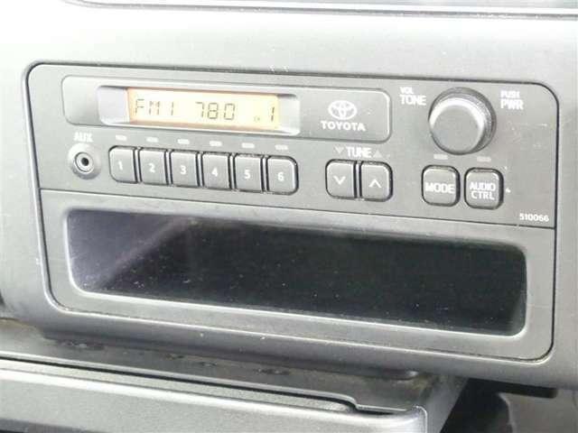 メディアプレイヤー接続機能付ラジオ装着車です
