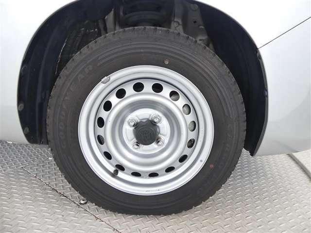 155/80R/14タイヤ装着車です
