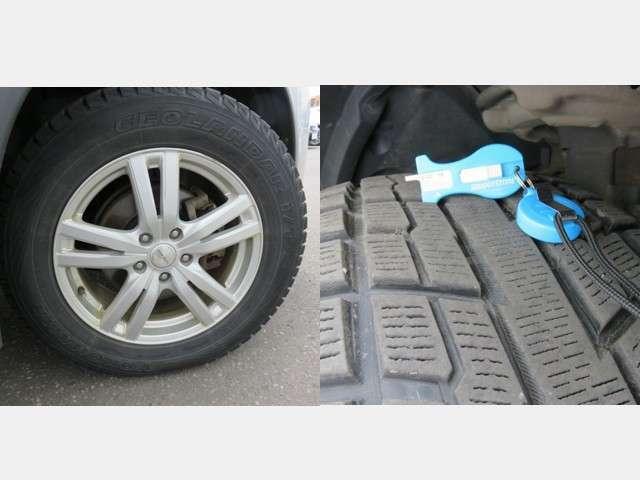 冬タイヤには市販品のアルミホィールが装着されて、残量は約7mmです。