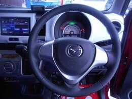 視界の良さ、運転のしやすさが選択ポイント!ステアリングスイッチ、見やすいメーター配置も好印象!
