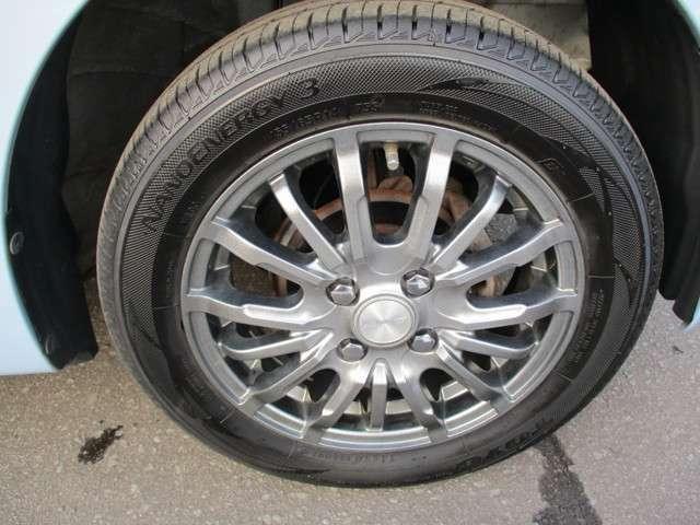 タイヤサイズは155/65-14となっております。