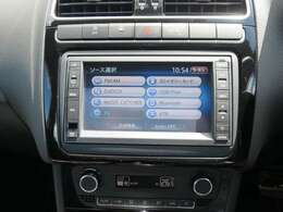 ナビ、フルセグTV、Bluetoothミュージック機能付きです。