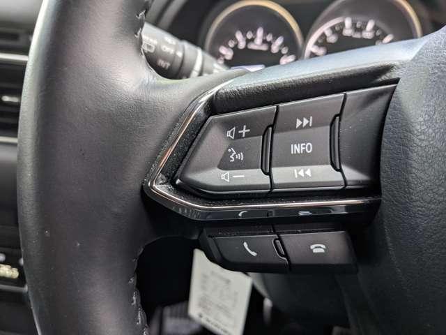 ステアリングスイッチにも対応しておりハンドルから手を放すことなくオーディオの操作が可能ですっ!