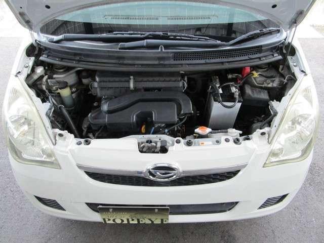 エンジンはタイミングチェ-ン式のお車です!タイミングベルトの交換も必要なくまだまだ安心してお乗り頂けるお車です♪