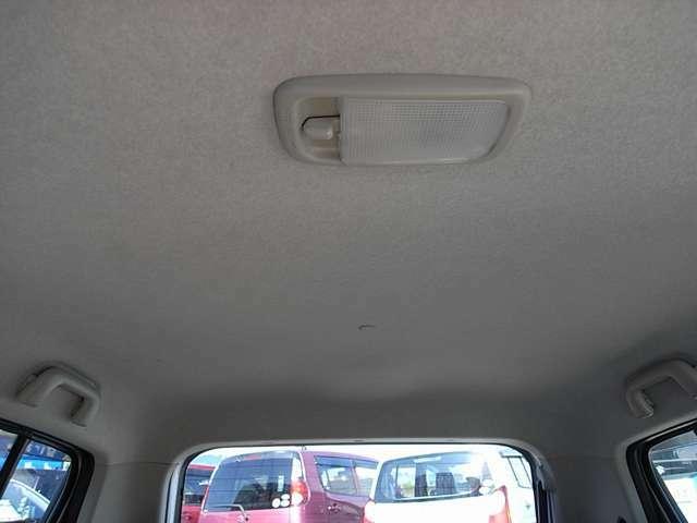 自動車保険も取り扱っております。損害保険プランナー資格者もおりますので安心してお任せください。