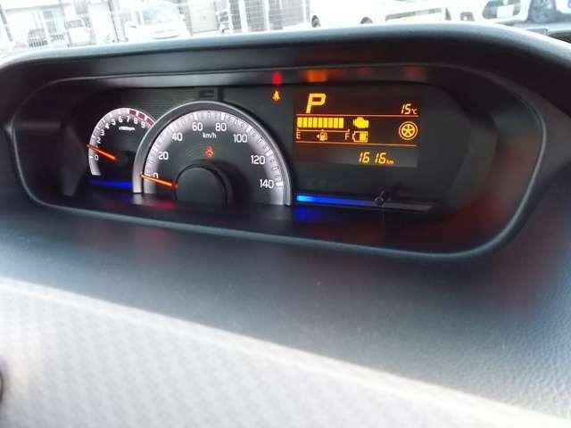 マルチインフォメーションディスプレイにはアイドリングストップ節約燃料/アイドリングストップ時間/瞬間燃費/平均燃費/航続可能距離/タコメーター/オドメーター/トリップメーター/外気温計など表示できますよ☆