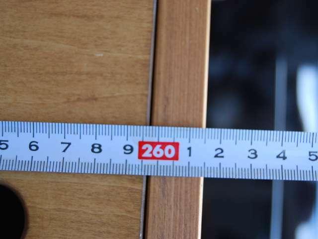 助手席背もたれまで倒せば261cmあります!
