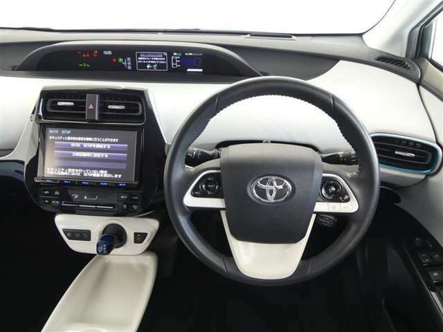 【トヨタ認定中古車】予防安全装置装着車、新品フロアマット純正付き。