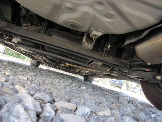 すぐ乗って帰れるシステムのってカエールシステムを採用!車検が残っているお車を気に入ったらその場で乗って帰れます!(条件等あります。スタッフにお尋ねください)1か月以内に名義変更して頂ければOK!