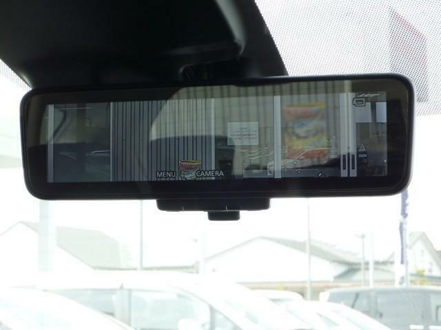 インテリジェント ルームミラーで、後ろの人にも、荷物にも、視界が邪魔されない!!