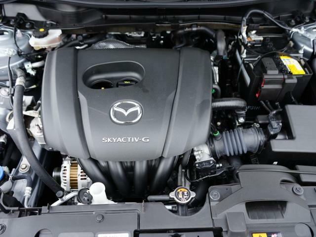 1.5リッターガソリンエンジンを搭載。スカイアクティブテクノロジーで開発された新世代の低燃費かつハイパワーなエンジンです。