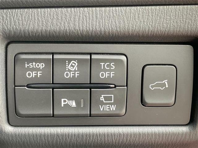◆ステアリングスイッチ◆運転中でも、ナビやODOメータをステアリングから操作することができる便利な機能です!