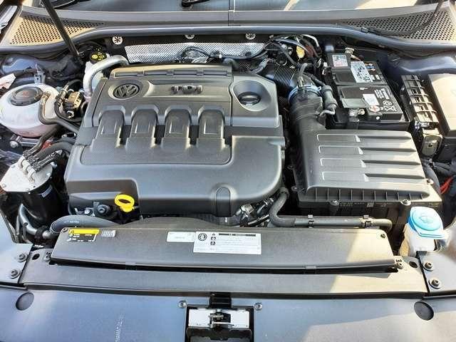 2.0Lのディーゼルターボエンジンです。力強い走りが自慢です。そして、低燃費も。