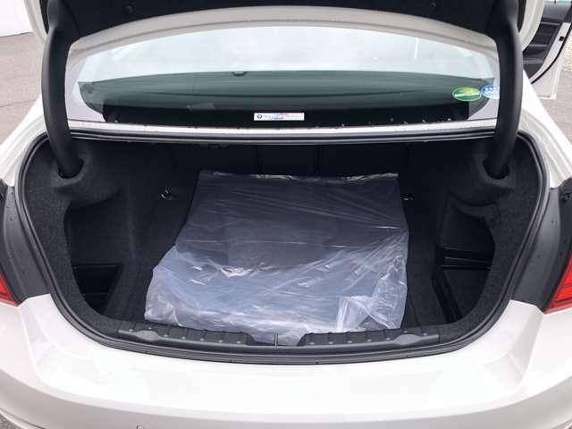 トランク内も広く使いやすいです。