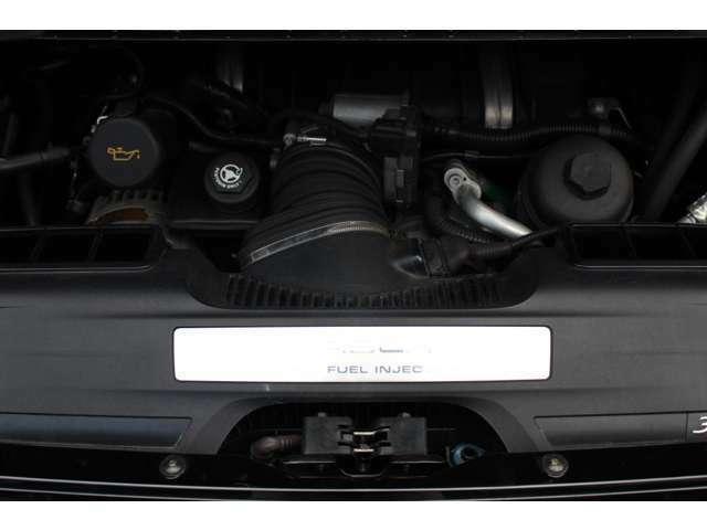 エンジンは直噴水冷フラットシックス3.6Lです。詳しくは弊社ホームページをご覧くださいませhttp://www.sunshine-m.co.jp