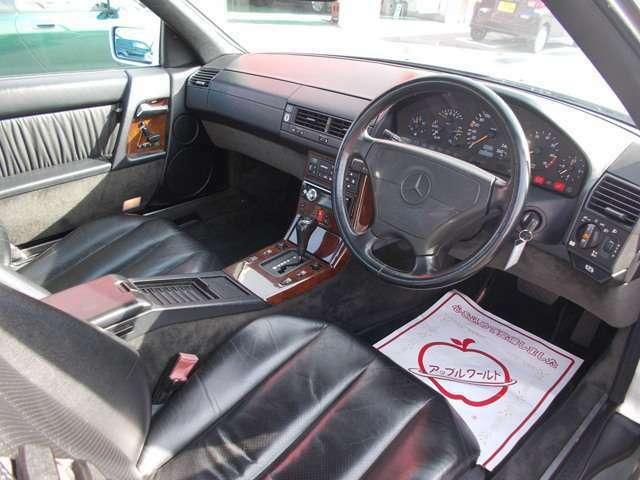 運転席ドア開口部となります。あなたの思い出はすべて運転席から始まります!