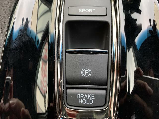 ◆ブレーキホールド【ブレーキを踏んで停止した際にブレーキ機能を保持して、停止状態を維持してくれる機能です。】