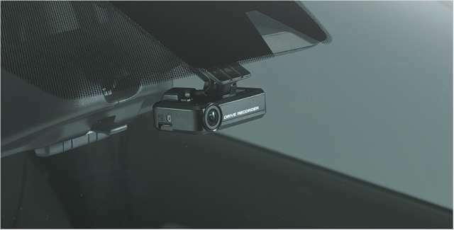 Bプラン画像:もし事故を起こしてしまったら・・運転中に映像と音で記録するドライブレコーダーです!万が一の備えに☆ドライブの思い出に☆