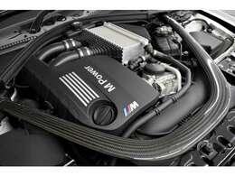 431馬力(カタログ値)を発生するMpowerエンジンを搭載しております!7速MDCTとの組み合わせで、駆け抜ける歓びをご堪能ください!