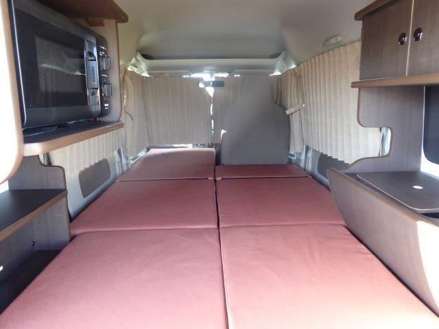 助手席側は2m40cmのロングスペースです!