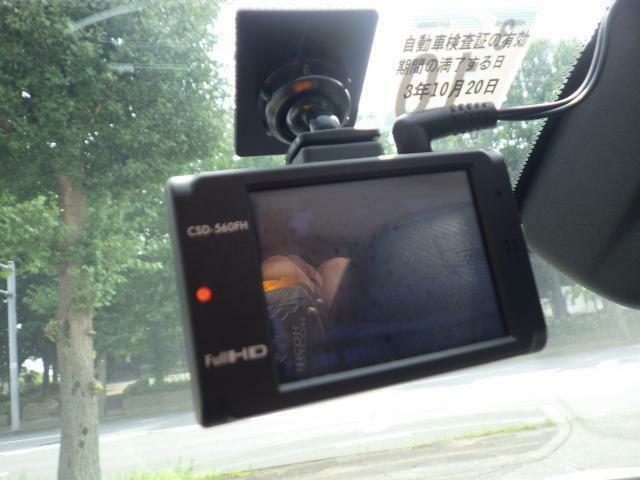 ドライブレコーダーも装備済みです。