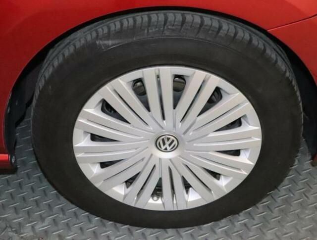 タイヤサイズは18560R15
