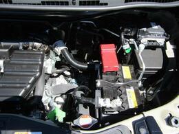 モーターでエンジンをアシストするだけでなく、モーターでクリープ走行もするマイルドハイブリッド採用!
